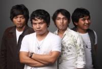 Wali Band Dikuntit Seorang Nenek dan Fans Berat di Malaysia